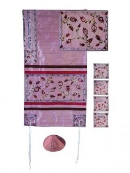 Set de Talit pochette et Kippa artistique decore de bandes en soie Les matriarches Sarah Rebbeca Rachel et Lea sur ton rose