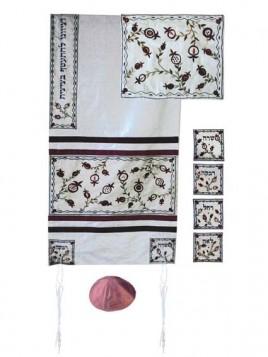 Set de Talit pochette et Kippa artistique decore de bandes en soie les matriarches Sarah Rebbeca Rachel et Lea